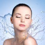 L'idratazione è essenziale per mantenere la pelle giovane e bella