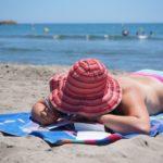 Abbronzatura al mare: come evitare le scottature