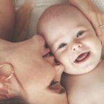 Un sorriso per le mamme contro la depressione post-partum