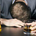 Perché bere alcol fa sempre male
