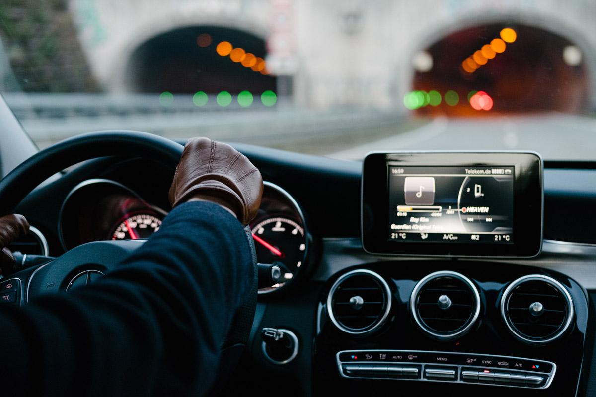 cellulare-auto-navigatore-car-pplay