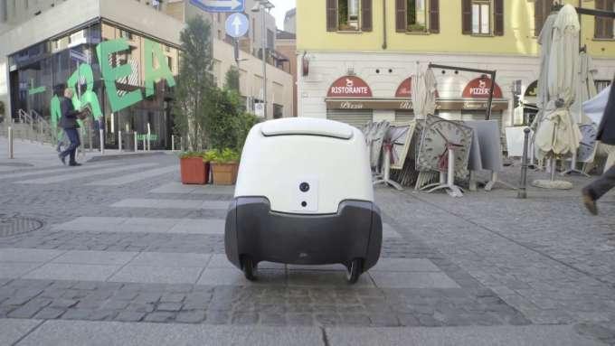 il robot postino Yape