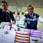 Falso bollino sui farmaci: scoperta banda a Milano