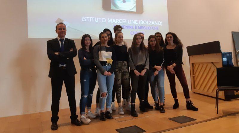 Bolzano scuola contro il cyberbullismo