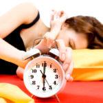 Lasciate suonare la sveglia: continuare a dormire fa bene