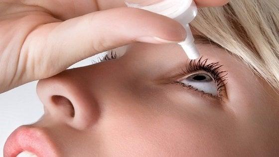 La sindrome dell'occhio secco colpisce in particolare chi lavora al computer o trascorre parecchio tempo davanti a uno schermo
