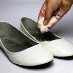 Cattivo odore delle scarpe, problema diffuso: come risolvere