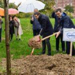 Mellin regala alle famiglie di Torino 3 mila alberi