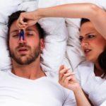 Un terzo degli italiani adulti ha questo problema: ecco i rimedi naturali ed efficaci per smettere di russare
