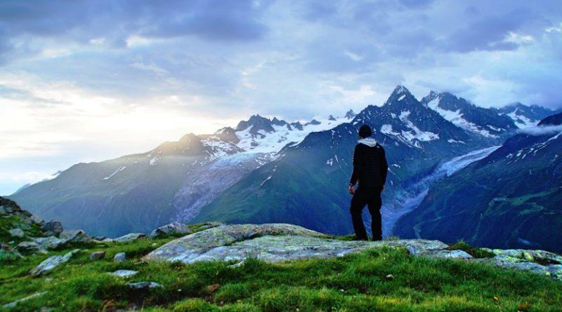 I progetti per uno sviluppo innovativo e sostenibile dell'arco alpino possono essere presentati fino al 31 ottobre 2020 Foto Unsplash Nicolas Cool