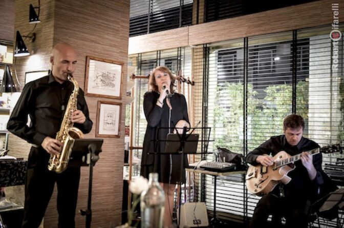 Mirko Fait (sax), Elisabetta Guido (voce) e Martino Vercesi (chitarra)