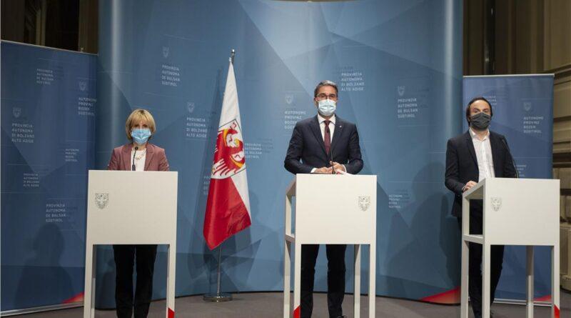 Da sinistra Deeg, Kompatscher e Achammer