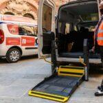Bologna. Consegnati al Comune nuovi veicoli attrezzati all'accompagnamento di persone disabili