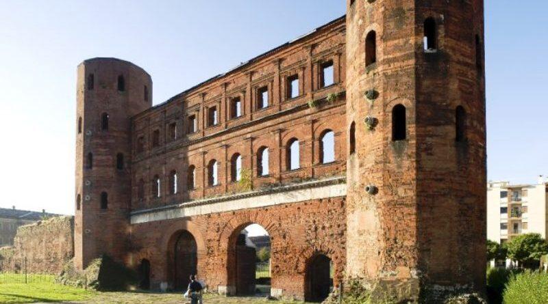 La Porta Palatina che consentiva l'accesso da settentrione alla Augusta Taurinorum - foto Museo Torino