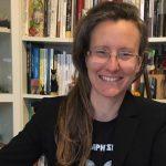 """Si intitola """"La maledizione del nome"""" (edito da Castelvecchi) il nuovo avvincente romanzo della scrittrice toscana Elena Torre"""